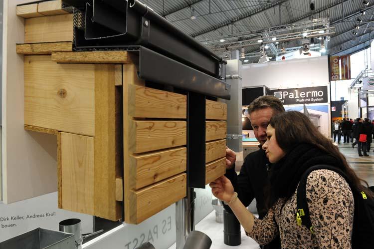 dach holz zet deuren open de houtkrant. Black Bedroom Furniture Sets. Home Design Ideas